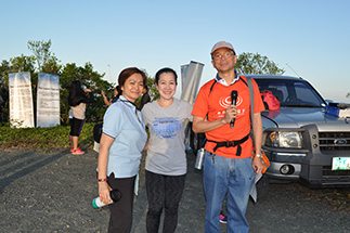 . Lopez Holdings' Yiessa Borbon, WTT team member Weng Magaling and program host Jun Dumlao of EDC
