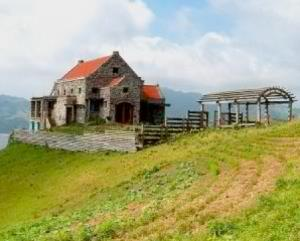 These stones houses add to the natural charm of Batanes (photo credit: www.choosephilippines.com)