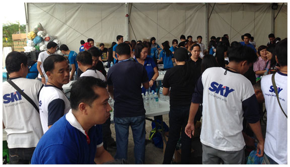 SKY helps in the repacking of goods for the Yolanda victims