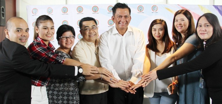 ABS-CBN Sports+Action channel head Vince Rodriguez, volleyball player Carmela Tunay, ABS-CBN Sports+Action HD channel head Jojo Neri-Estacio, DepEd Asst. Sec. Tonisito Umali, Gov. Joey Salceda, volleyball player Fille Cayetano, Sen. Pia Cayetano and ABS-CBN Regional head Atty. Abigail Aquino