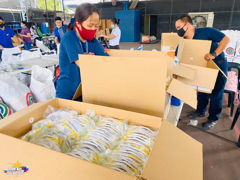 ABS-CBN delivers protective gear, food to health workers