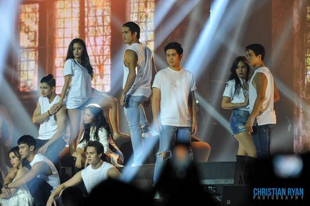 ASAP turns up the heat at the Ricoh Coliseum, with a special contemporary dance treat from (L-R) Yassi Pressman, Enchong Dee, Rayver Cruz, Kim Chiu, Maja Salvador, Enrique Gil, Gerald Anderson, Joshua Garcia, Janella Salvador, and Elmo Magalona. (Photo courtesy of Christian Ryan.)