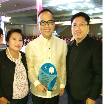 First Philippine Holdings Corporation's Vicky Martinez, former president of PICPA-Eastern Metro Manila which was awarded one of the Best Chapters in 2015; ABS-CBN CFO Aldrin Cerrado, Outstanding CPA in Commerce and Industry; and Third Generation Holdings' Jei-Jei Gertes, who received a Special Achievement Award in Community Service in 2014