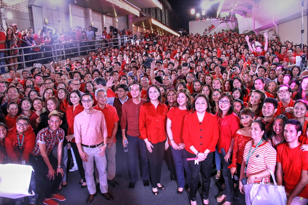 Carlo Katigbak with executives and employees at the launch of the 2014 ABS-CBN Christmas station ID
