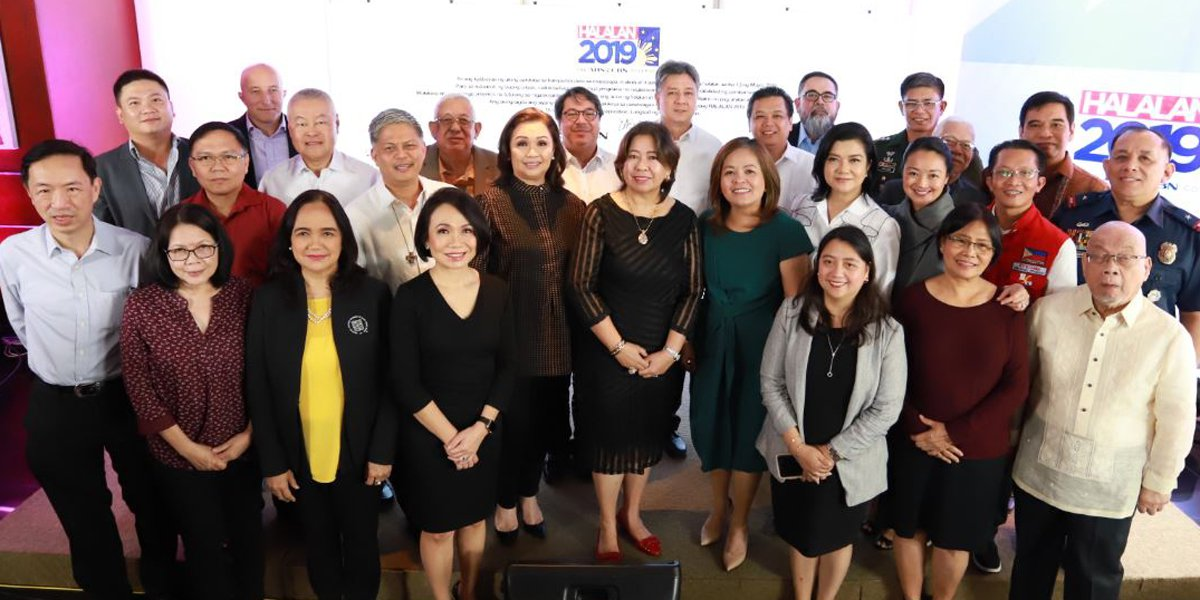 ABS-CBN executives lead the covenant signing with representatives of 'Halalan' partner organizations
