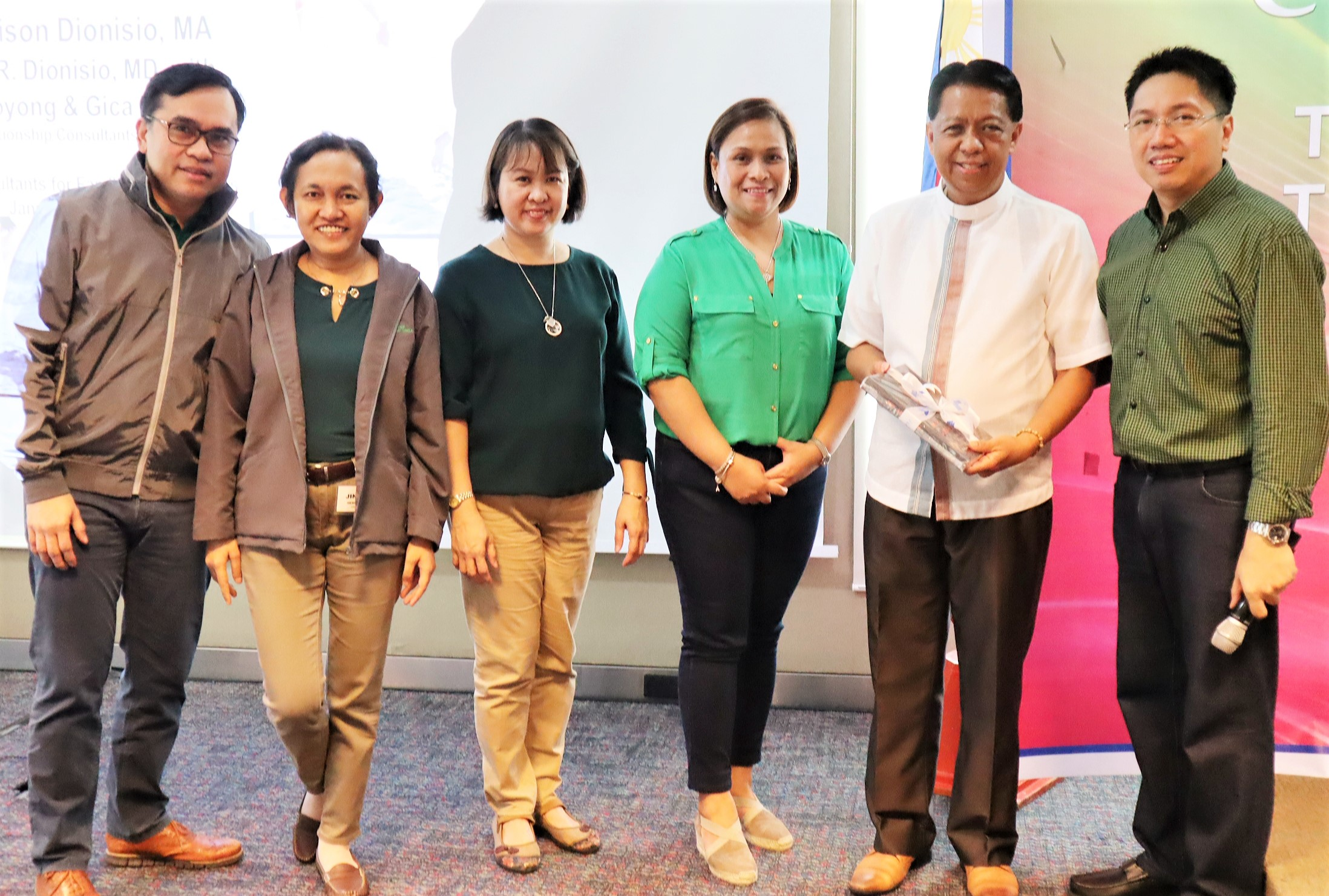 Rev. Fr. Glenn Paul Gomez (5th from left) with the Comptrollers' Circle core team (l-r): Aldrin Cerrado of ABS-CBN, Jingle Hernandez of Lopez Inc., Lanie Caimol of Lopez Holdings, Mina Ubaña of FPH and Jei-Jei Gertes of Third Generation Holdings
