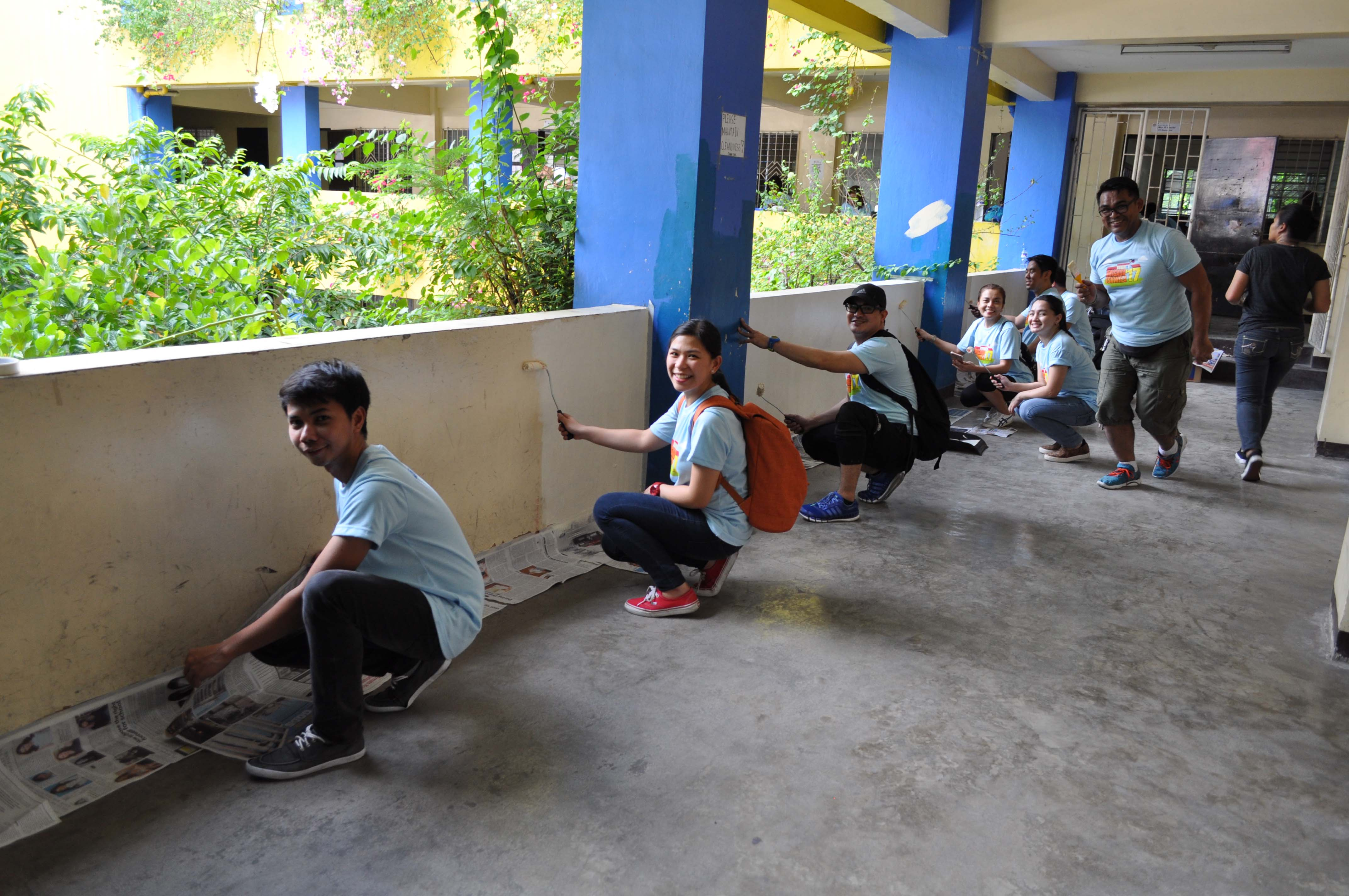 Volunteers work together to clean and beautify KHS for the new school year