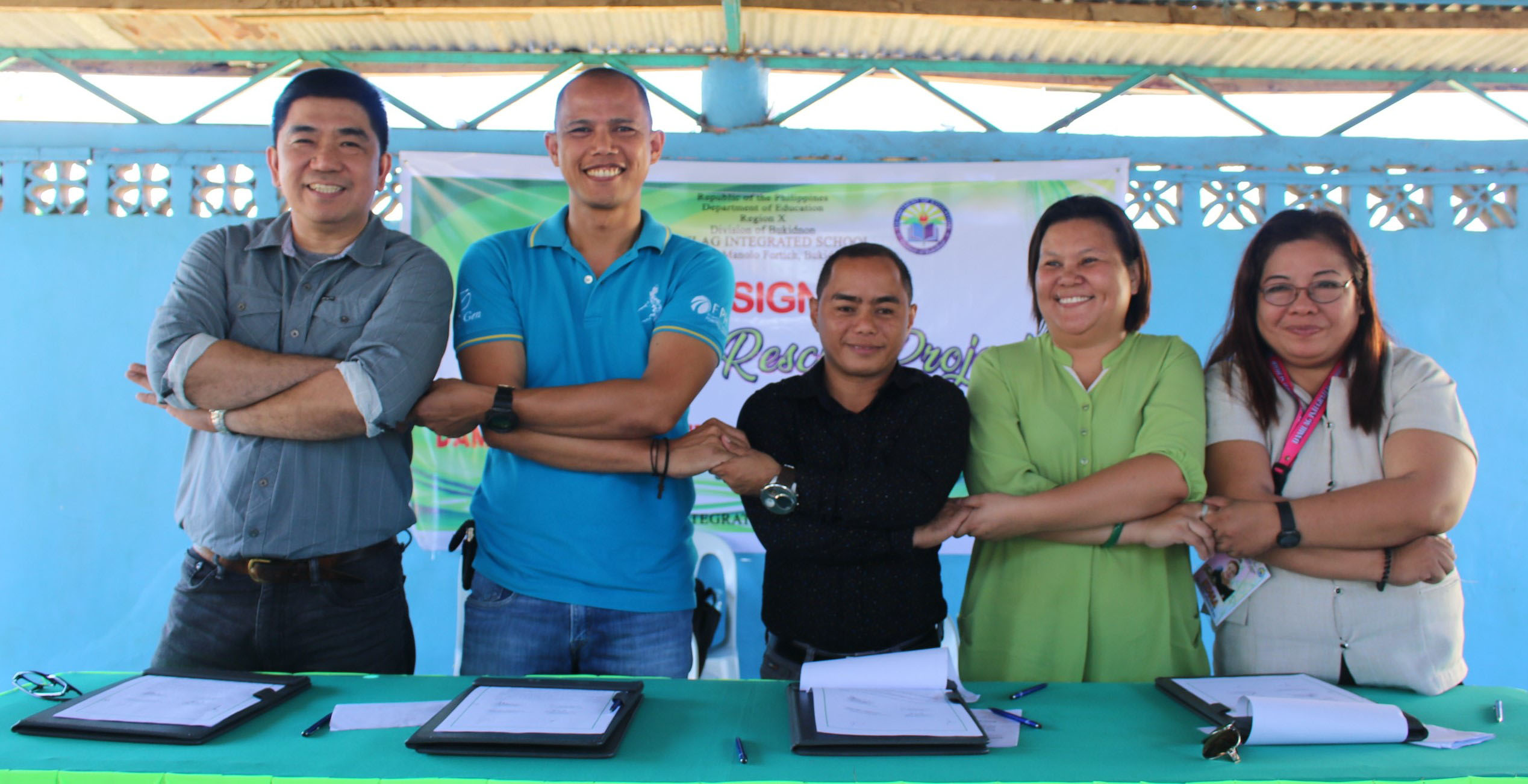 FG Bukidnon, Manolo Fortich school ink pact to help save threatened trees
