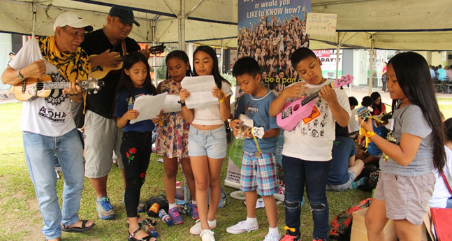 Uke can do it! 'Estero' kids enjoy free ukulele workshop