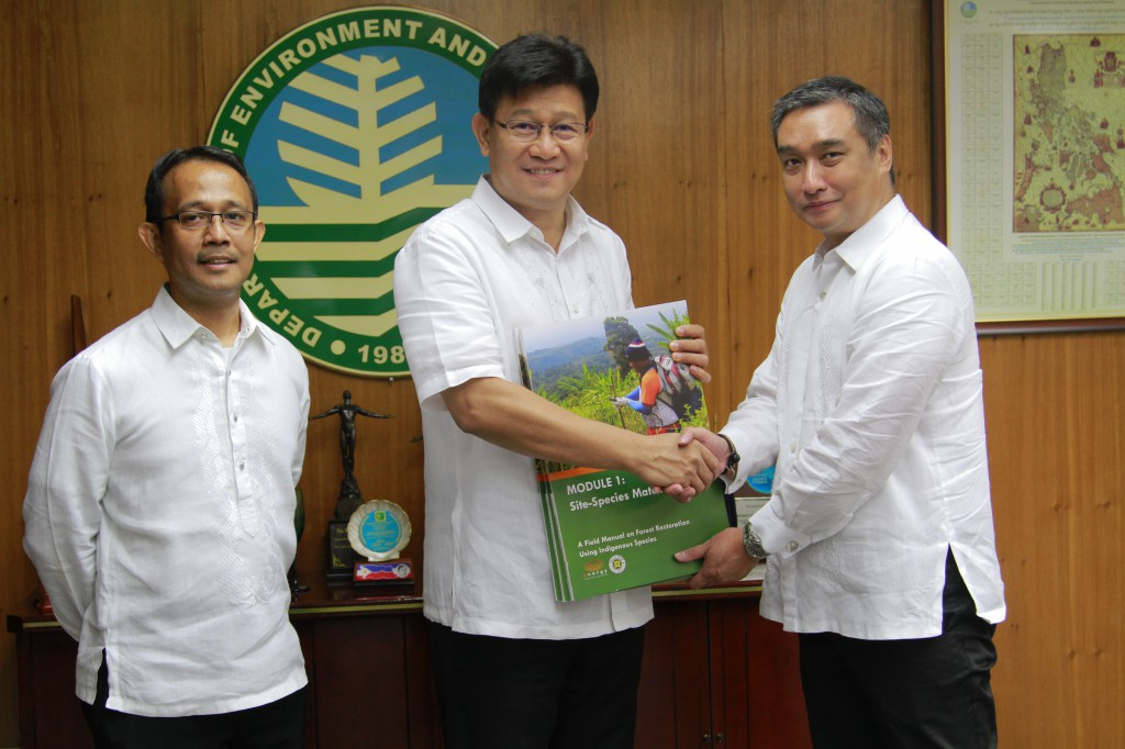 EDC shares expertise via publications on forest restoration