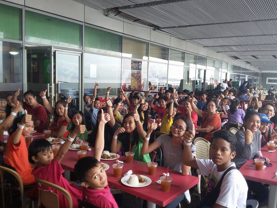 Indicating their satisfaction with the meal at Manila Ocean Park