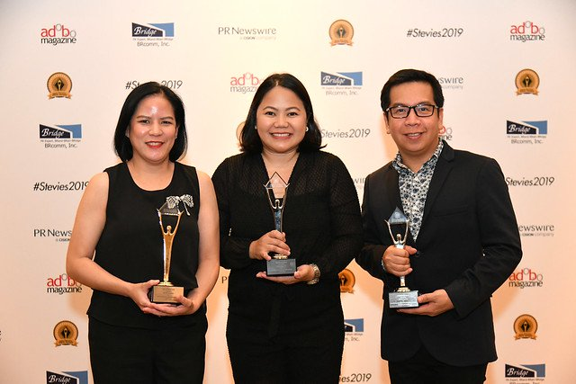 L-R: ABS-CBN digital media division's accounts management head Darrel Villanueva, ABS-CBN Channel 2-entertainment sales head and client investment advisor for Unilever Sheila Balcueva and Mindshare Philippines exchange partner Richard Montealegre