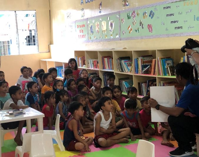 Batangas students get brand-new library