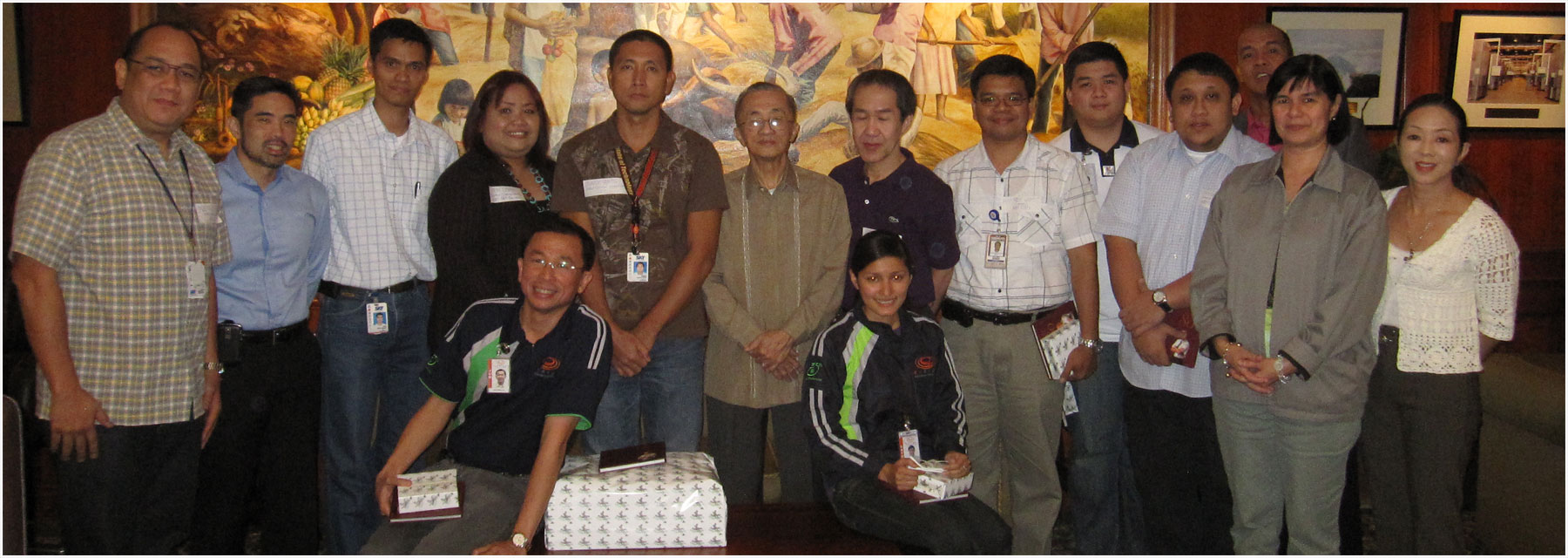 (Standing, l-r) Paul Abastillas (SKYCable HR); Jay Lopez; Lito Mapolon (Operations); Jenie Chan (ABS-CBN Foundation Inc.), Eduard Santos (SKYCable); chairman emeritus Oscar M. Lopez; Caesar de los Reyes (SKYCable); Kimrey Gomez (ABS-CBN, Regional Office Headquarters); a representative from EDC; Christopher Santos (ABS-CBN), Jonas Uy (EDC); Dine Luaurena (ABS-CBN) and Cedie Vargas (HR Council). Seated, EDC representatives. Not in photo are Gonzalo Roque Jr. (SCM Sector); Pedro Abellano (SFO sector); Edgardo Tadlas (NNGP); and Edgardo Cadungog (SFO Sector), all of EDC