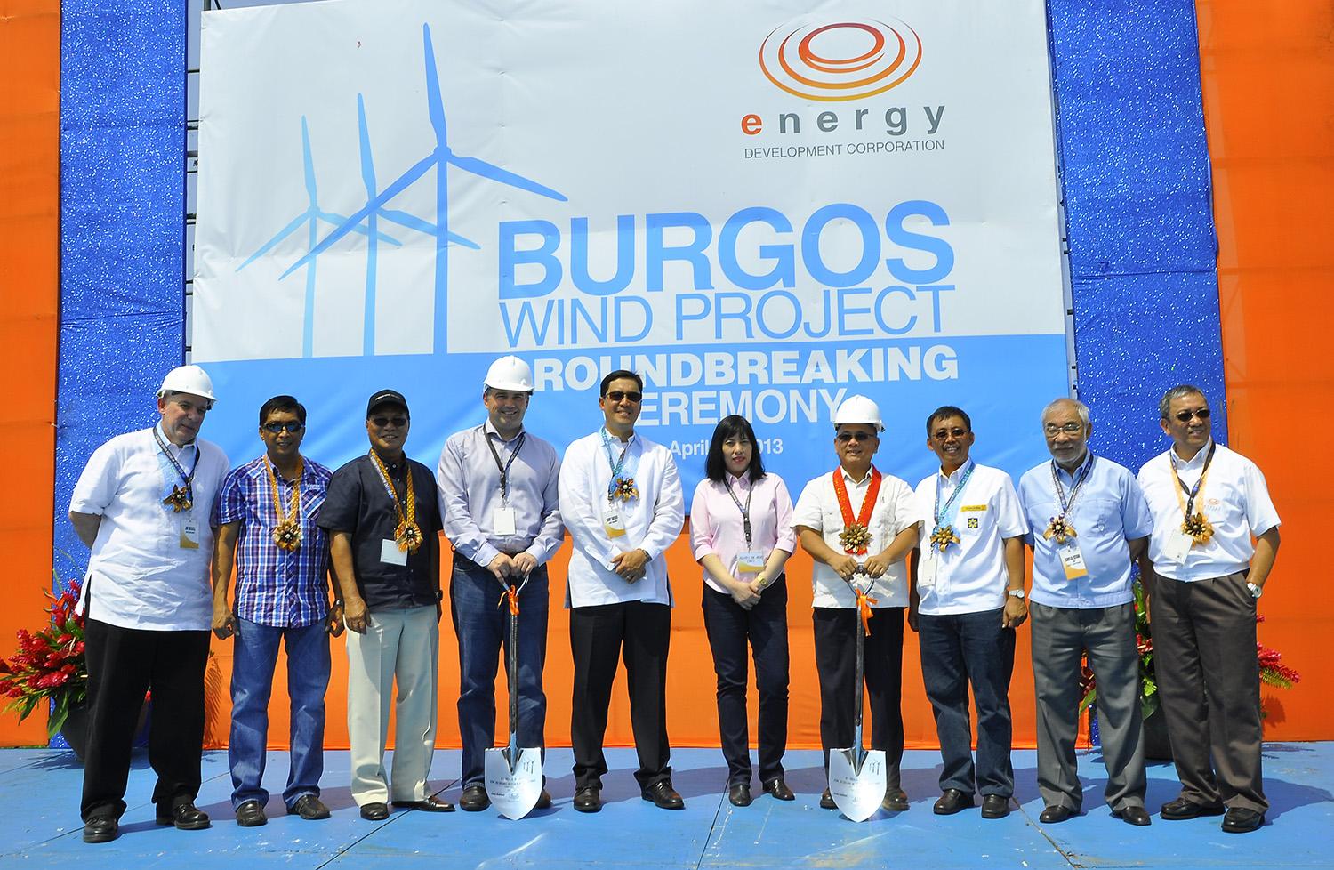 President Richard Tantoco (5th from left), with officials from EDC partner-companies Vestas and First Balfour and DOE and Ilocos Norte representatives, leads the groundbreaking ceremony of the wind power project