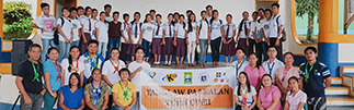Knowledge Channel head for School and Community Engagement Doris Nuval and MFI executive director Karen Agabin (seated, 3rd and 4th from left) with the school administrators and students of San Jose National High School