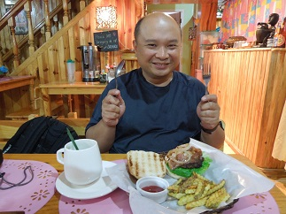 Bacon Lovers Burger with Country Fries and Lemon Grass Tea