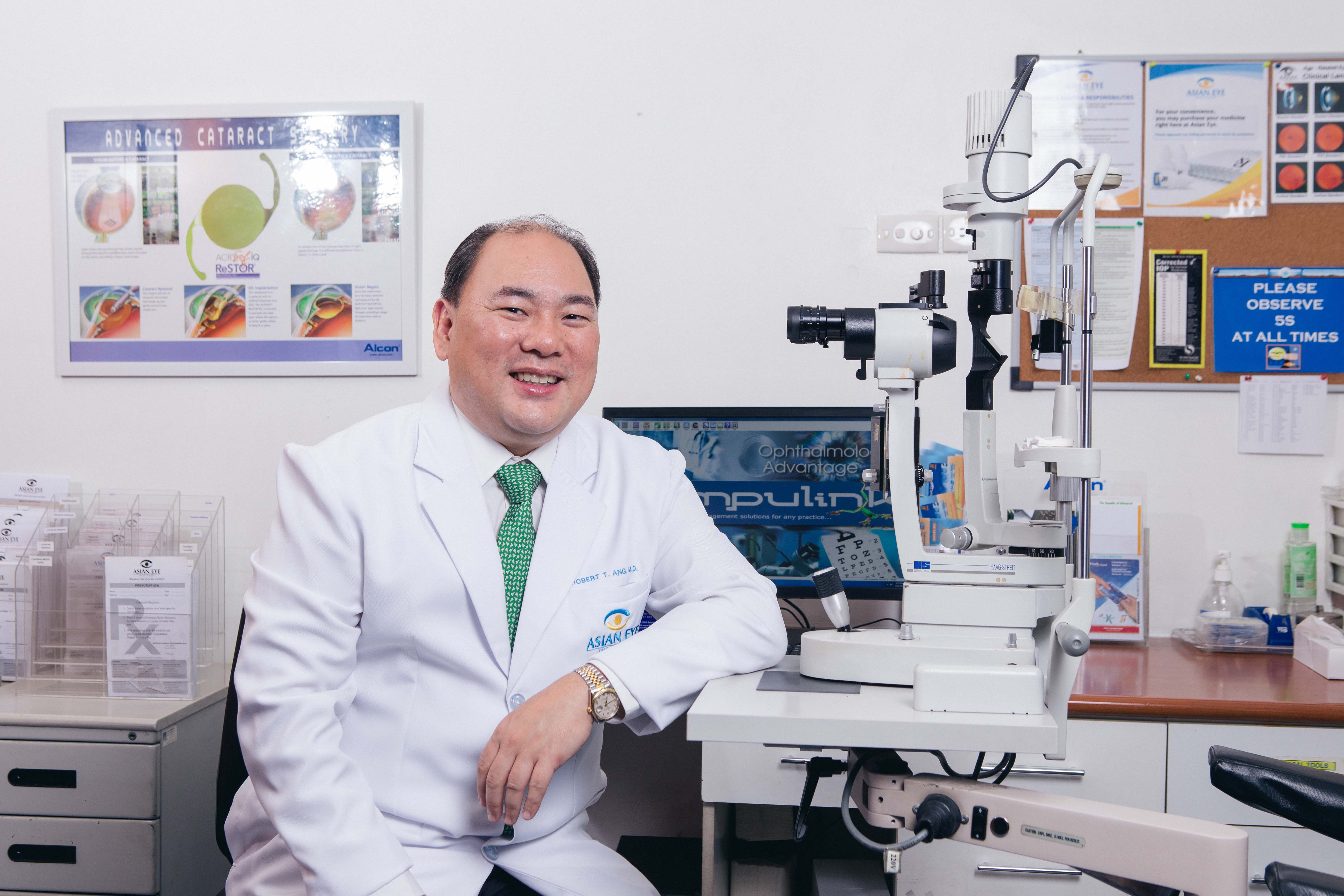 Asian Eye's Dr. Robert Ang has conducted important research on the ICL