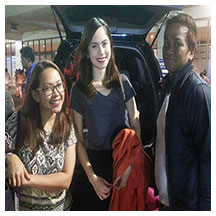 Jessy with road manager Peachy Bautista and make-up artist Randy Gabin
