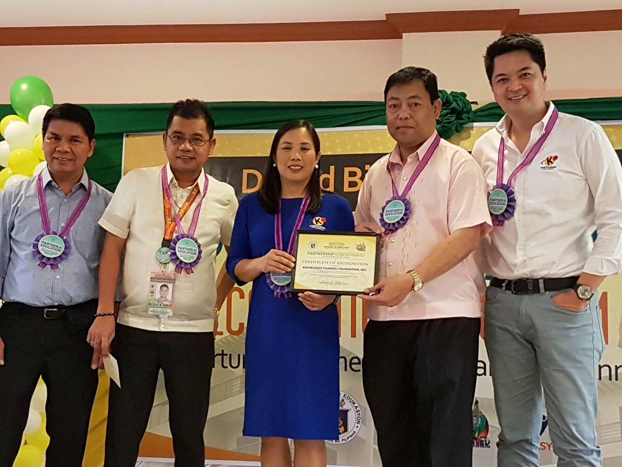 KCFI president Rina Lopez-Bautista (center) with (l-r) DepEd Biñan chief education supervisor Bayani Enriquez, ASDS Nicolas Burgos, Biñan SDS Hereberto Miranda and KCFI director of Operations Edric Calma