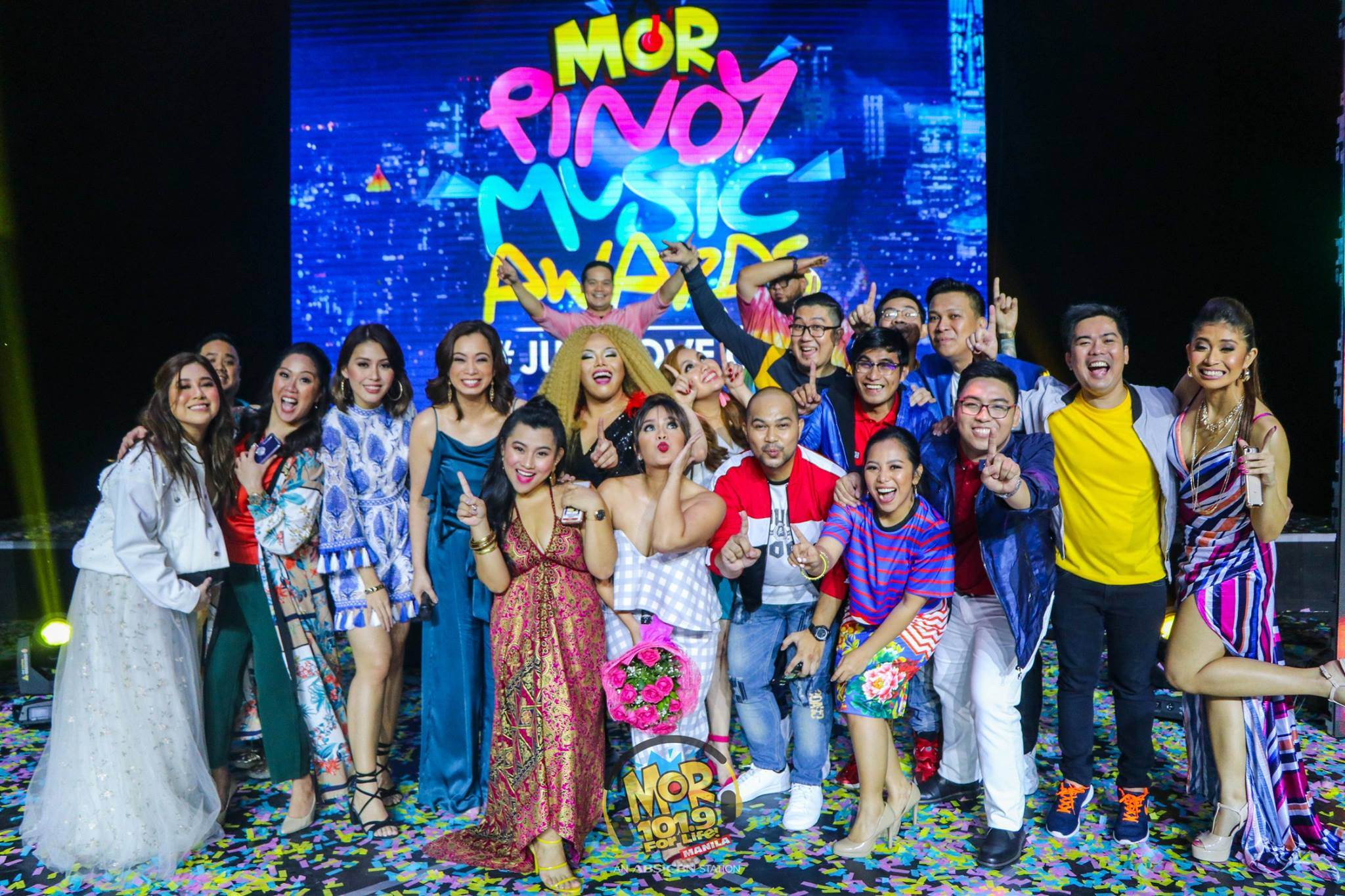 "The ""MORkada"" at the MOR Pinoy Music Awards"