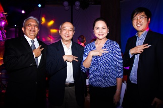 ABS-CBN president Charo Santos-Concio and KidZania Manila investors Ambrish Thakker, John Lou and Xinwei Ng say 'Kai' at the KidZania Manila Foundation Day on July 28