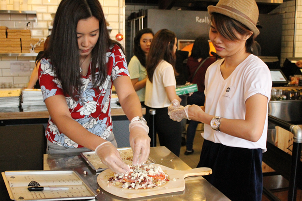 'FOOD' showcases easy pizza, pasta recipes in first cooking class