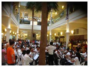 the-OFY-wows-visitors-during-a-recent-performance-at-Power-Plant-Mall