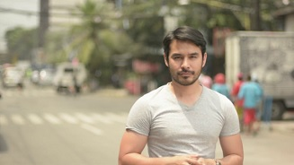 Atom Araullo and experts share safe motorcycle riding tips on the April 05 episode of Red Alert