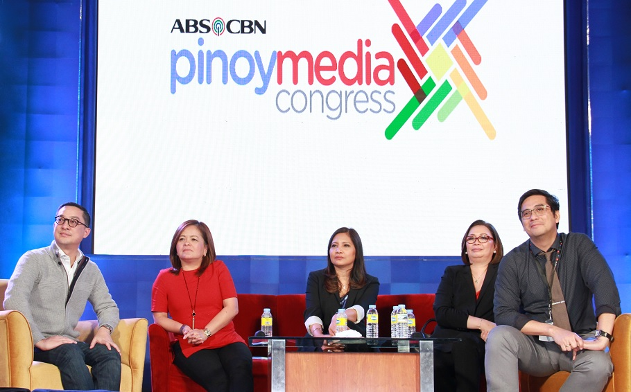 L-R: ABS-CBN officials Carlo Katigbak, Ging Reyes, Liza Aleta, Cory Vidanes and Lauren Dyogi at the open forum