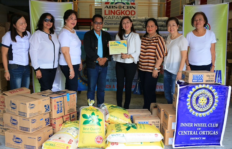 IWCCO turns over 'donations from the heart' to Operation Sagip