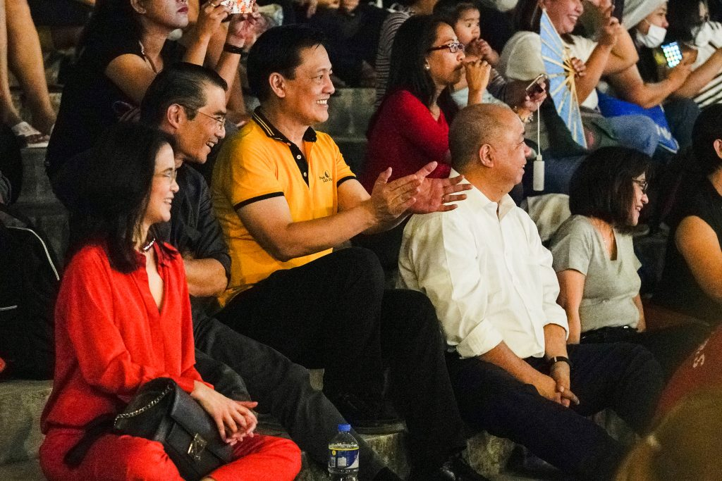 Ang Misyon president Federico R. Lopez and his wife Monina Lopez, Benedicto Sison and Alex Narciso of Sun Life Foundation enjoy the Orchestra of the Filipino Youth concert