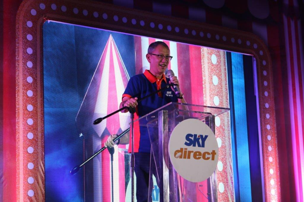 SKY Cable Corporation president & COO March Ventosa thanks dealers and distributors in his speech during the SKYdirect sales conference on March 5