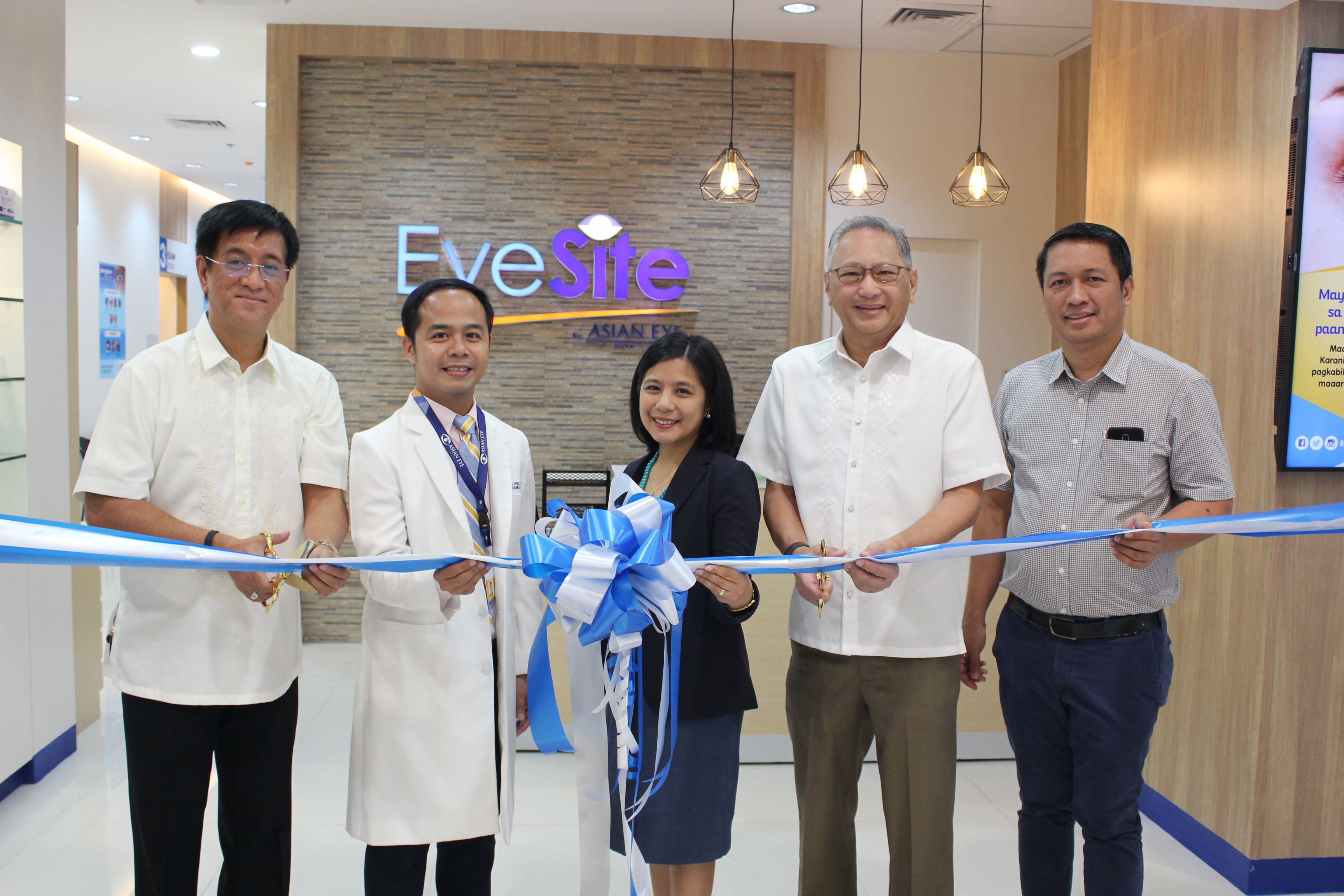 L-R: Asian Eye Institute COO Alwin Sta. Rosa, retina and vitreous specialist Dr. Alex Pisig, chief strategy officer Dr. Patricia DimanligManuel, president Benjamin Liboro and chief optometrist Dr. Jesse Caguioa