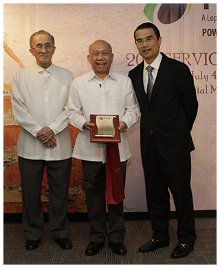 OML and awardees FPH president Nonoy Ibañez, 35 years; and FRL, 25 years