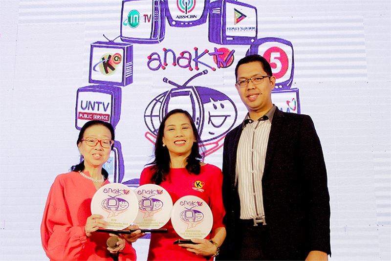 Knowledge Channel bags 3 Anak TV Seal awards