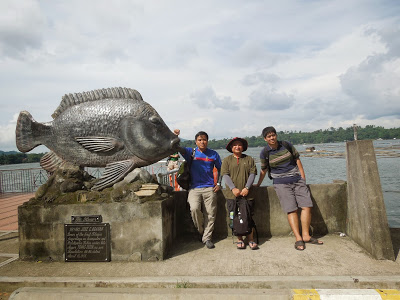 Doña Leonila Park not only had the best viewpoint of Sampaloc Lake—it also had this fishy attraction