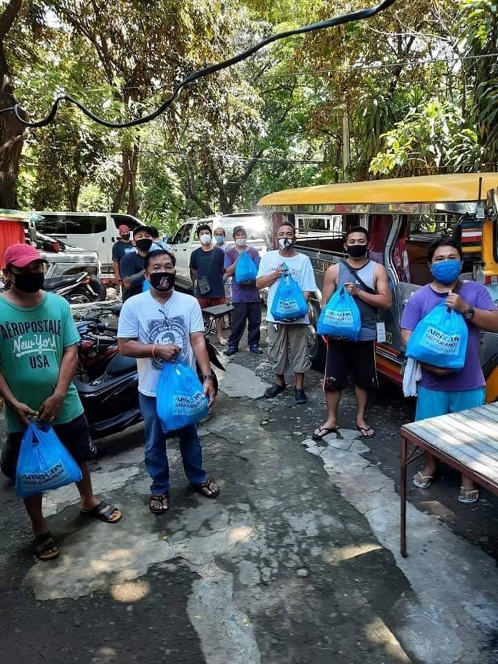 Jeepney drivers in Quezon City and Caloocan were among the recipients of relief goods from 'Pantawid ng Pag-ibig'