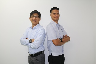 Network Operations head Jude Pambid left and Engineering and Core Network head Lito Mapolon