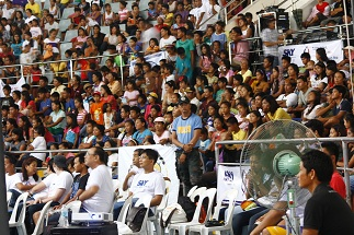 Yolanda Survivors crowd the Tacloban Astrodome to witness SKY27s Solidarity Concert