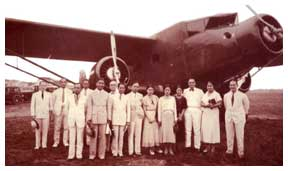 during-the-inaec-first-flight-from-manila-to-iloilo-february-1-1933-claro-m.-recto-and-wife-aurora-7th-and-6th-from-right-were-among-the-passengers