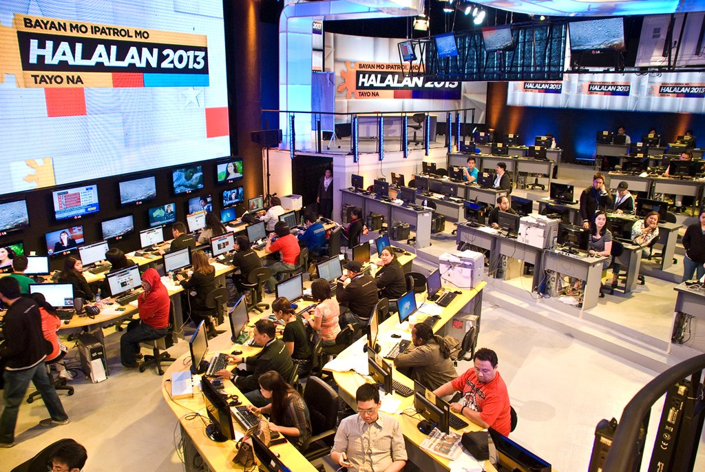 The Halalan 2013 war room