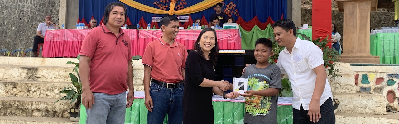 Proceeds from block screening connect schools to KCh