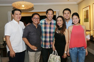 The Rockwell Land team led by SVP Mike Lopez, VP-Provincial Development and 32 Sanson GM Davy Tan, 32 Sanson senior brand marketing associate Eric Nubla and AVP-Marketing Vienn Tionglico- Guzman with chef Sandy Daza and Mayenne Carmona