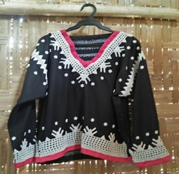 Blaan dress with white shell beads, Lamlifew Tribal Women's Association