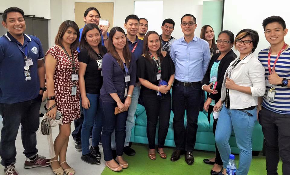 DMD employees with ABS-CBN president Carlo L. Katigbak during the division's 'Kuwentuhan with Carlo'