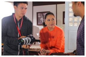 ABS-CBN president Charo Santos-Concio shares insights with SID director Paolo Ramos (right) and director of photography Rommel Sales